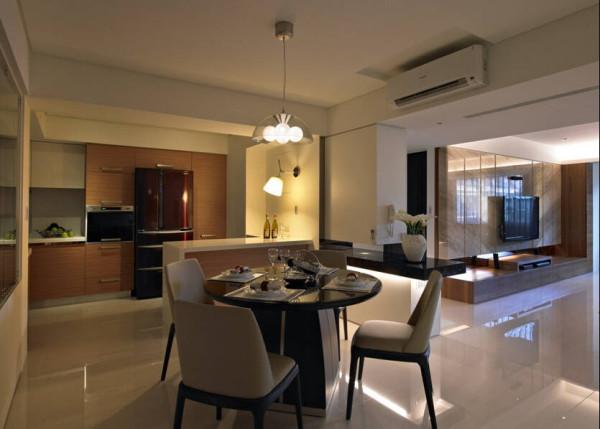 餐厅空间利用开放式吧檯的规划,与厨房做界定,满足生活机能,增加生活互动