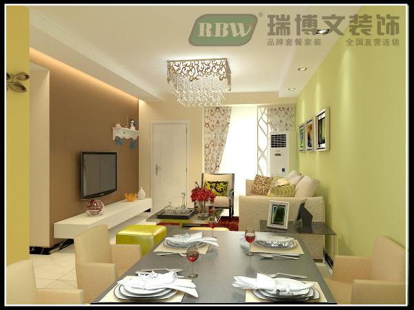 电视墙采用高大上的咖色的色漆,电视墙上面做的条形吊顶,往往灯带都是放在外面,这次的设计中灯带放到里面,直接照射电视墙,效果很好。