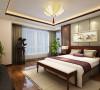 卧室通过墙面大面积以白色衬托,顶面的石膏装饰贯穿始终,使整个空间一瞬间变得典雅高贵。把整体设计的理念体现的淋漓尽致:刚柔并进,冷暖搭配,线条明快,配以暖色系人造灯光营造出舒适典雅的视觉感受。