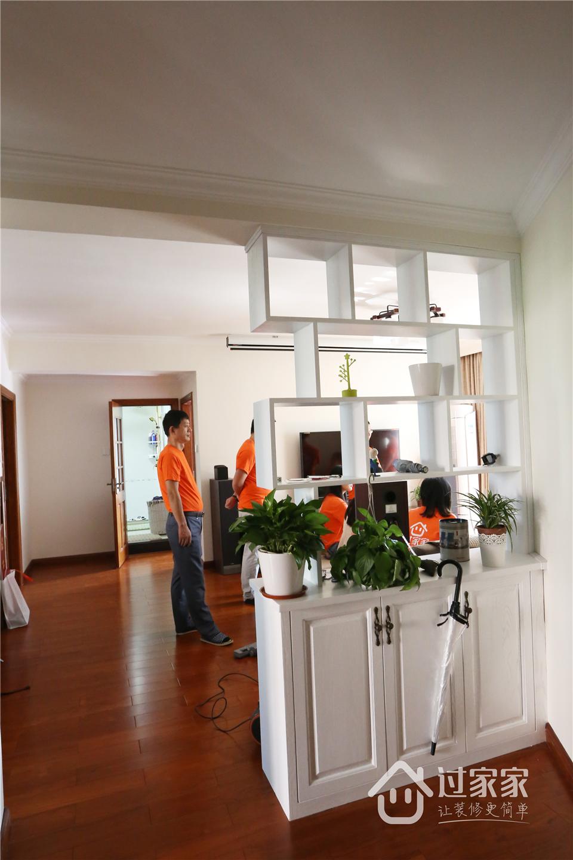 小资 80后 旧房改造 收纳 白领 三居 玄关图片来自过家家装饰在新浩城浩利阁-现代简约 实景图的分享