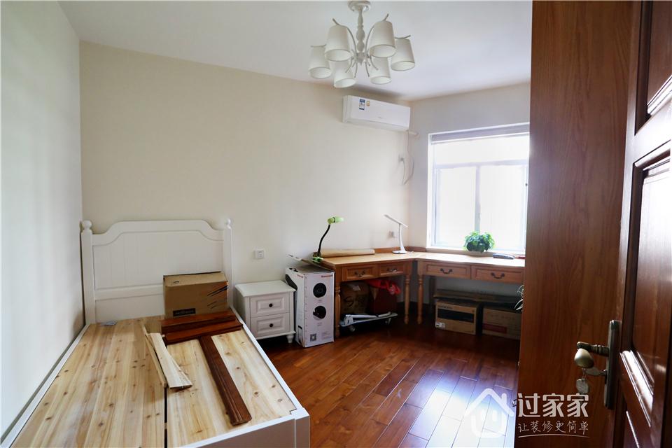 小资 80后 旧房改造 收纳 白领 三居 书房图片来自过家家装饰在新浩城浩利阁-现代简约 实景图的分享