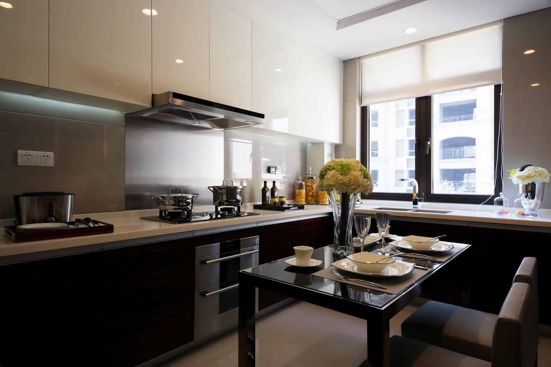三居 港式 厨房图片来自四川建拓建筑装饰工程有限公司在港式风格的分享