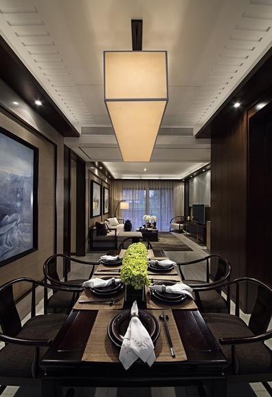 三居 中式 收纳 餐厅图片来自武汉实创装饰在顶琇国际公馆109平中式三居的分享
