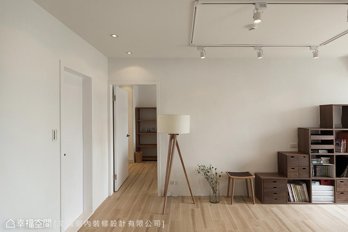简约 一居 日光 旧房改造 小资 收纳 客厅图片来自TSLOVEZYW在默认专辑的分享