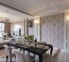 赋予吊隐式冷气崭新的空间角色,侯荣元设计师让它下降有理,于是天花板各自独立,作为客餐厅的区域界定。