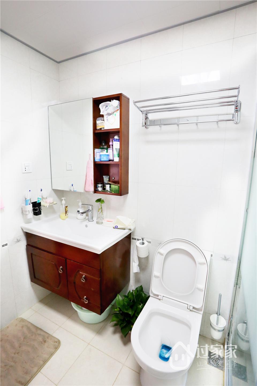 小资 80后 旧房改造 收纳 白领 三居 卫生间图片来自过家家装饰在新浩城浩利阁-现代简约 实景图的分享