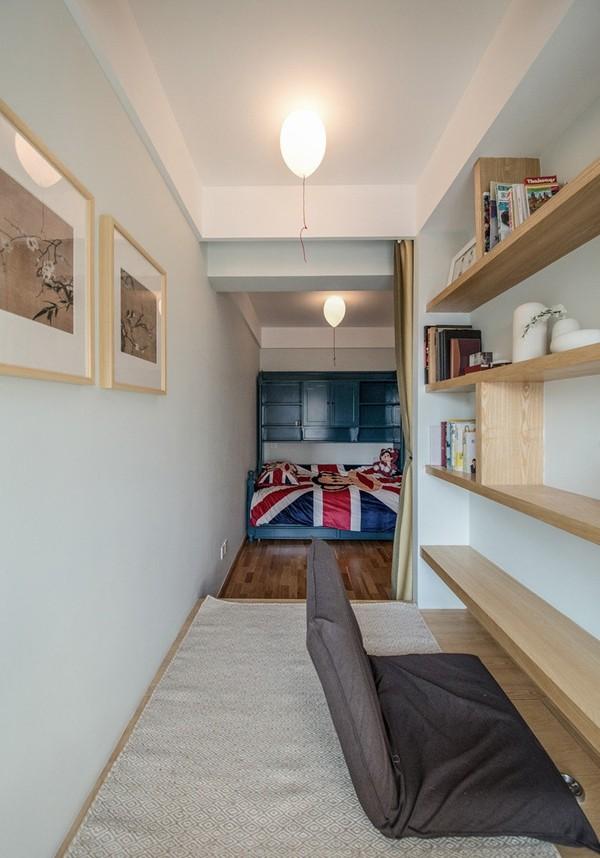 小房间分出一角作为榻榻米书房,提高了空间的利用率。