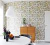宜家白色饭桌,窗台一些绿色植物的装饰。