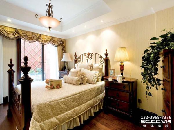 设计 理念植物纹理的床品,简单的装饰,让卧室空间充满了自然气息,简洁舒心。 主材 说明福乐阁乳胶漆