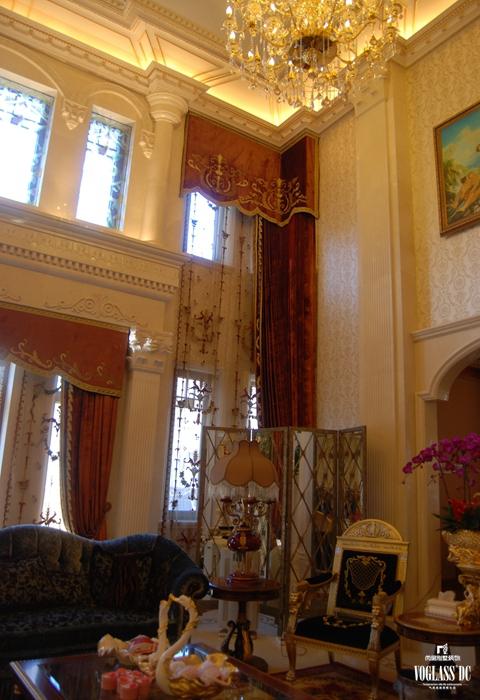 客厅图片来自成都尚层别墅装饰装修公司在欧式奢华风格作品的分享