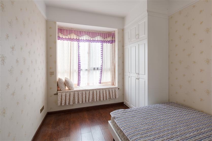 卧室图片来自鸿扬家装武汉分公司在欧陆风情之暖心居家的分享