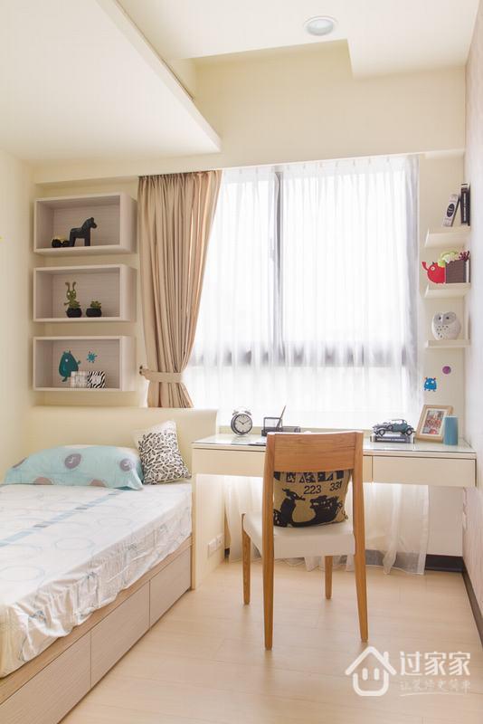 床头的段差畸零,设计师规划入展示区块,可自由运用与展示。