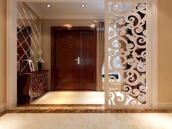别墅装修风格的玄关的设计作为本案的点睛之笔,起到了不可小觑的作用。入户门厅处稍作改动,一个精致实用的门厅衣帽间为业主带来小小的惊喜,主卧新建的衣帽间大气实用。