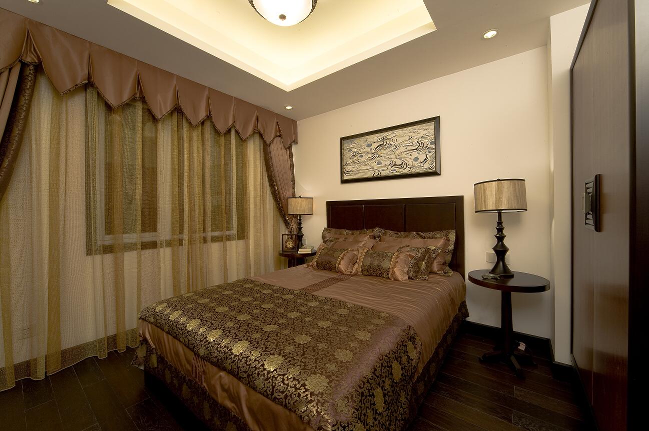 三居 白领 收纳 80后 小资 温馨 卧室图片来自合肥生活家在天下锦城三居中式风格的分享