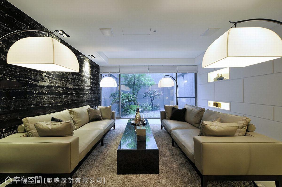 前卫 奢华 别墅 收纳 客厅图片来自幸福空间在660平绿意鸟语x前卫奢华的分享