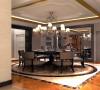 一家团聚的温馨餐厅餐厅的突出亮点为地面和餐桌相结合,圆桌更适合一家人的团聚,其乐融融,地面采用地砖和石材的拼接,相辅相成