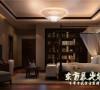 中式四合院设计装修总能给人一种清净雅致的触感,在萦绕着古典雅韵的四合院中,运用中式元素来渲染出舒适清幽的氛围,在保障功能的前提下带来别致的中式体验。