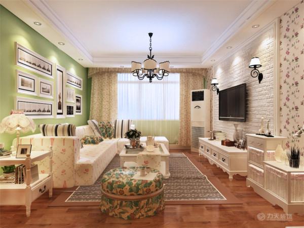 本案为福祥园,本例户型为两室两厅一厨一卫的户型,使用面积为120㎡,环境优美,为一三口之家为依据进行设计的,突出温馨且不是时尚质感