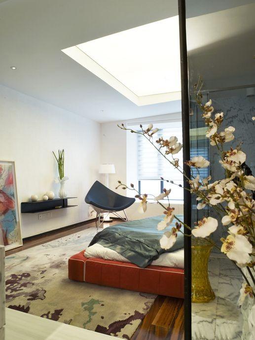 卧室一侧展示,简约且有设计感