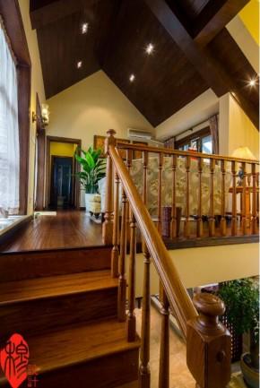 欧式 美式 混搭 别墅 收纳 楼梯图片来自美家堂装饰小刘在美式风格装修案例——美家堂装饰的分享