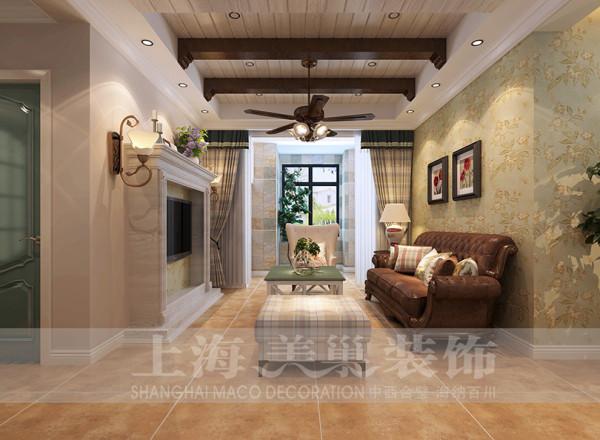 客厅作为待客区域,要求简洁明快,客厅的设计摒弃了繁琐和复杂,兼具古典主义的优美造型和新古典主义的功能搭配,为整个居室营造出了一个温馨舒适的家居环境。