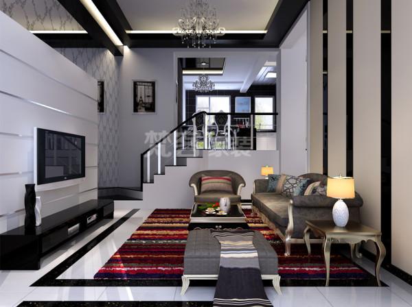 挑高4300mm的客厅吊顶用直线黑色亮面饰面板边吊顶,并不会显得压抑,笔直简约的线条加以柔和灯光勾勒出现代感极强的气息。