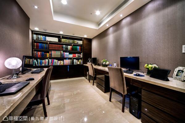 双向使用的书房空间,以明快的线条搭配新艺术的中性色调,在机能部分也能满足全家的使用设定。