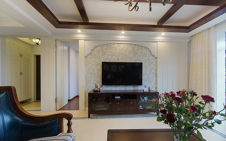 客厅图片来自家装大管家在暖暖温馨 120平简约美式混搭3居的分享
