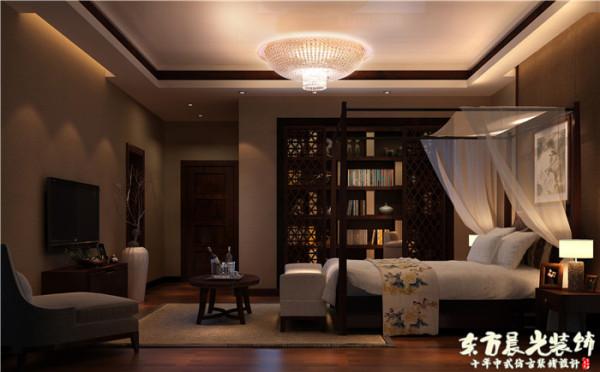四合院别墅室内设计不是简单的沿袭中式仿古设计的手法,而是结合现代设计的优势与实际需求,将中式元素一点一滴镶嵌其中,色调色彩和谐不显突兀。