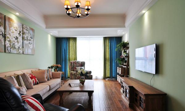 客厅作为待客的区域,一般装修的时候都要求简洁明快,同时装修和其他空间要更加明亮光鲜