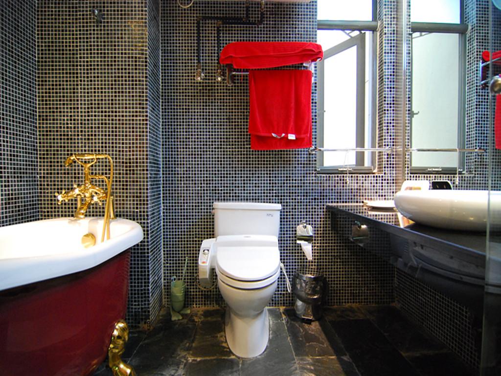简约 二居 80后 小资 卫生间图片来自成都创新思维装饰工程有限公司在南城都汇的分享