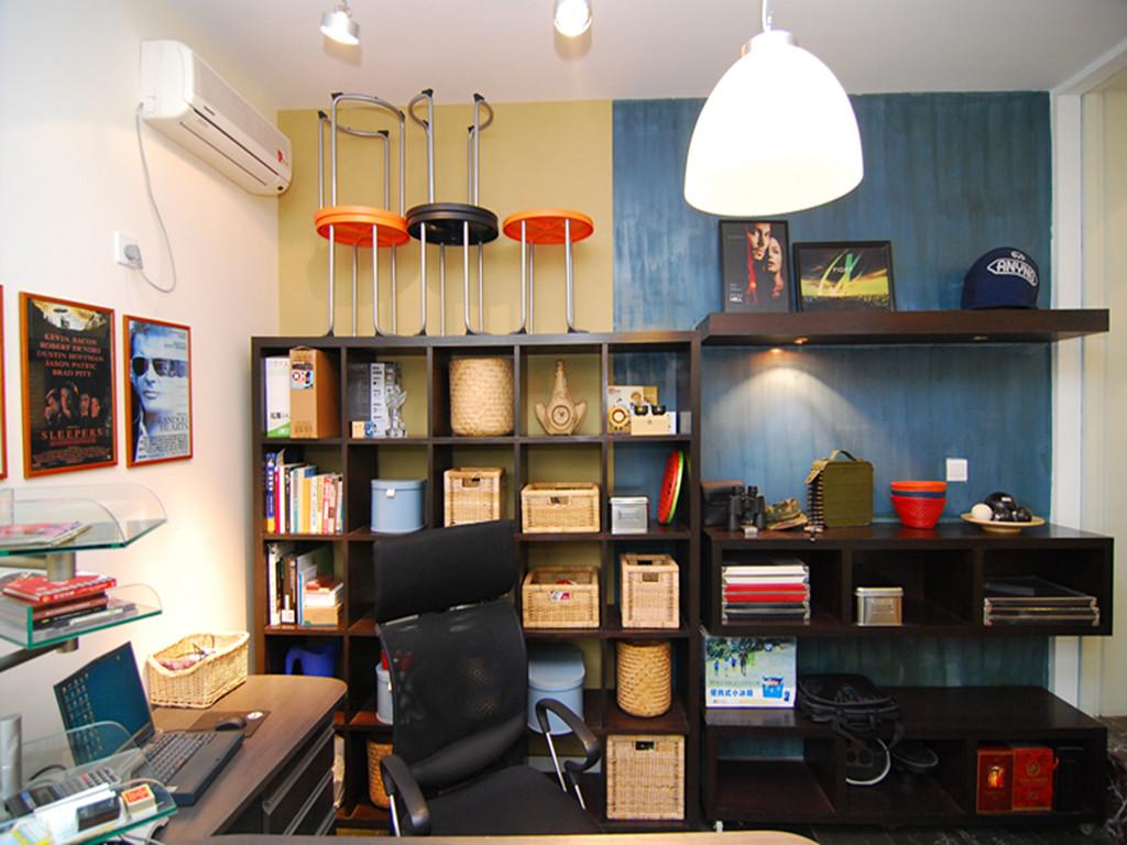 简约 二居 80后 小资 书房图片来自成都创新思维装饰工程有限公司在南城都汇的分享