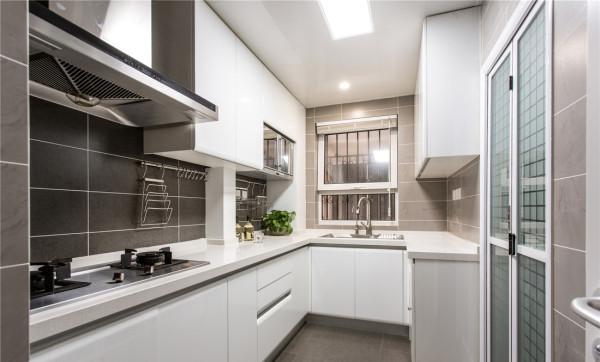 整洁的厨房