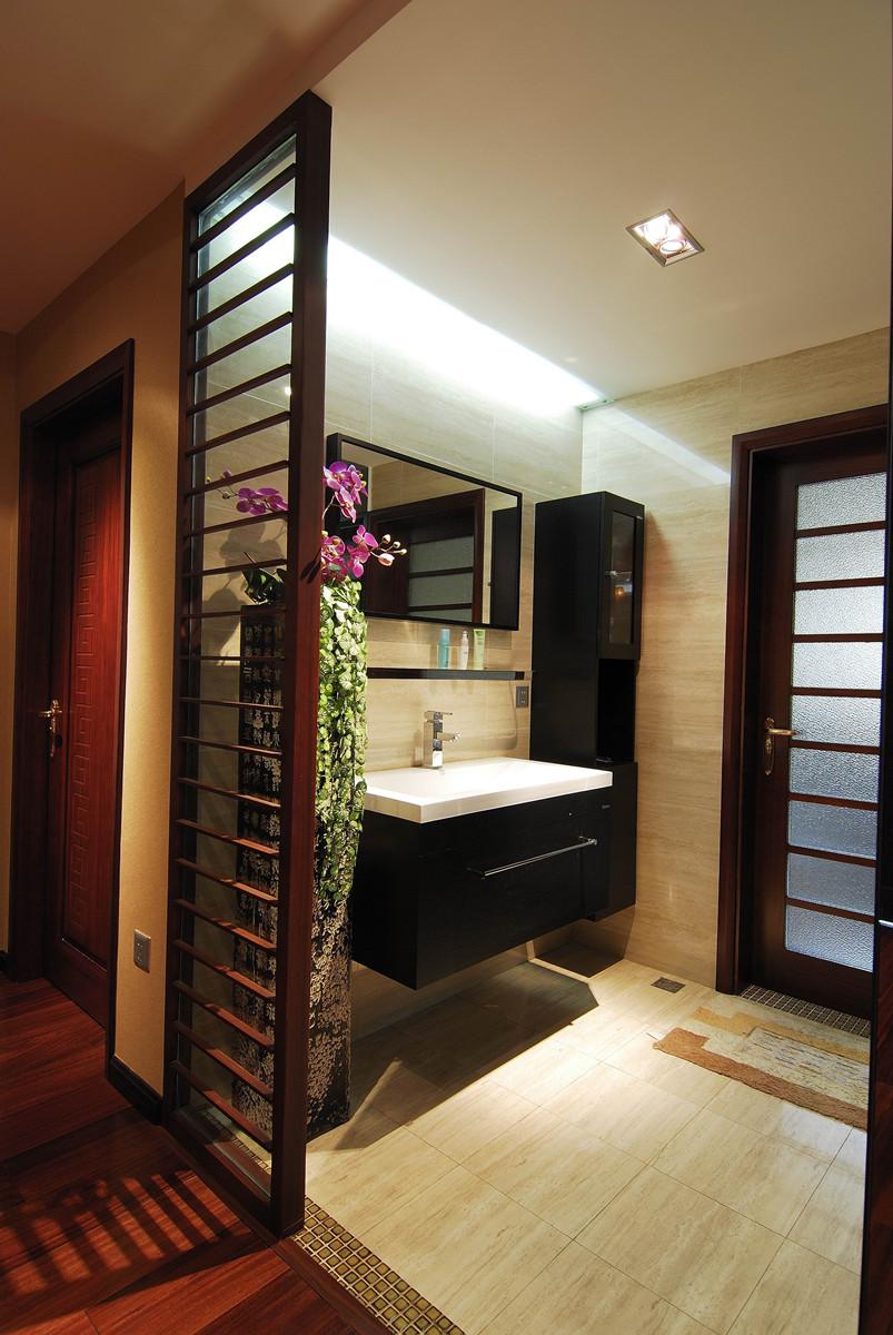 新中式 三居 卫生间图片来自成都创新思维装饰工程有限公司在97平米新中式的分享