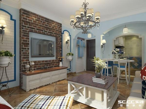 客厅淡蓝色的墙面对应着红砖壁纸装饰的电视背景墙,色彩冷暖对比。拱形门洞的设计,使整个空间生动活泼。