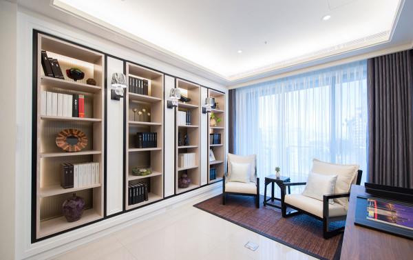透过复层材质的堆叠框饰,打造实用美感并陈的质感书柜。