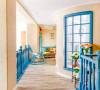 房子的二层,则是业主家庭的专属区域,设计师在这里安排了主卧室、儿童房和一个客卧,以及一个家庭活动区域。在二层空间的处理上,设计师加入了一些温暖的黄色调,使整个空间看起来更加温馨和舒适。