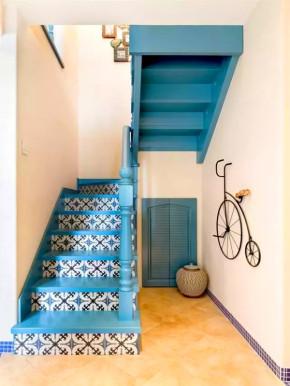 地中海 四居 白领 小资 客厅 北京装修网 楼梯图片来自沙漠雪雨在134平清新地中海LOFT中华丽美家的分享