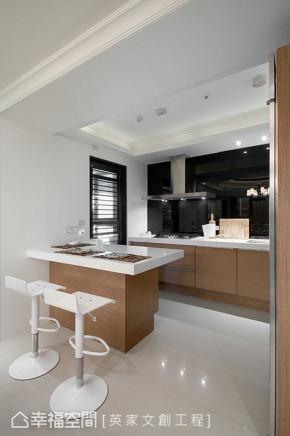 新古典 四居 收纳 简约 厨房图片来自幸福空间在205平时尚新古典风的分享