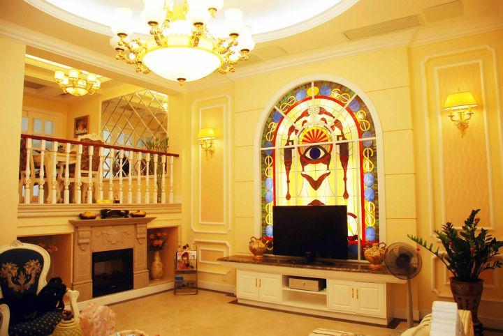 客厅图片来自cdxblzs在香颂岛 240平米 现代欧式 别墅的分享