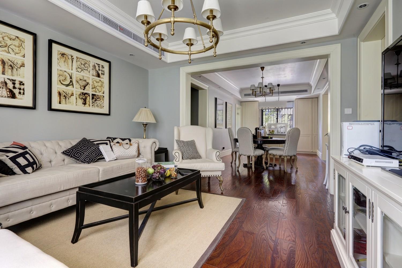 小资 80后 二居 客厅图片来自成都丰立装饰工程公司在法式美的分享