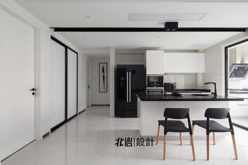 北岩设计 顶墅施工 阳光聚宝山 黑白调 三居 厨房图片来自北岩DESIGN在律动的分享