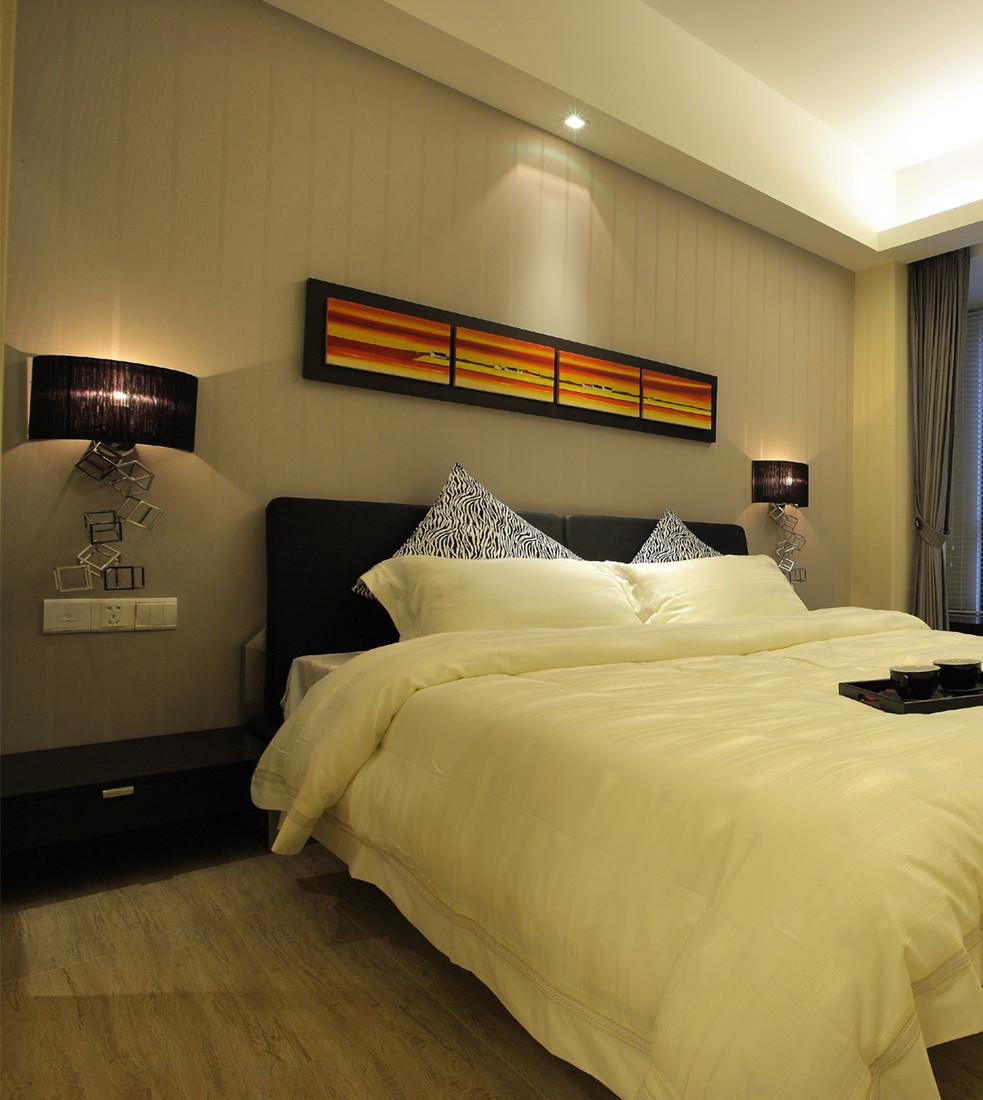 简约 二居 80后 小资 卧室图片来自创新思维装饰官方博客在中信城现代简约的分享