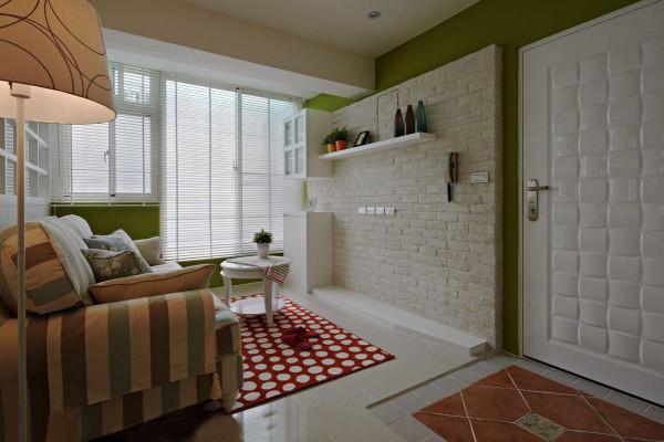 以百叶、文化石、格子造型打造出浓厚的乡村风味,而带有复古感的沙发及层板展示,更为空间注入故事性,使房子有了生命力 引用到回复收集喜欢