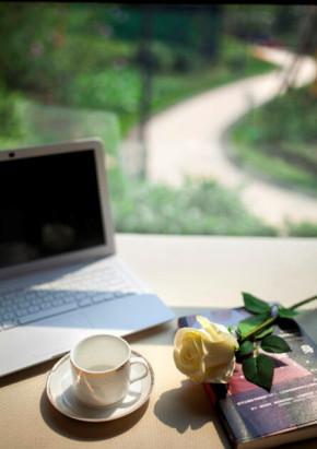 现代 三居 轻松 小资 阳台图片来自一号家居网成都站在致瑞雅苑的分享