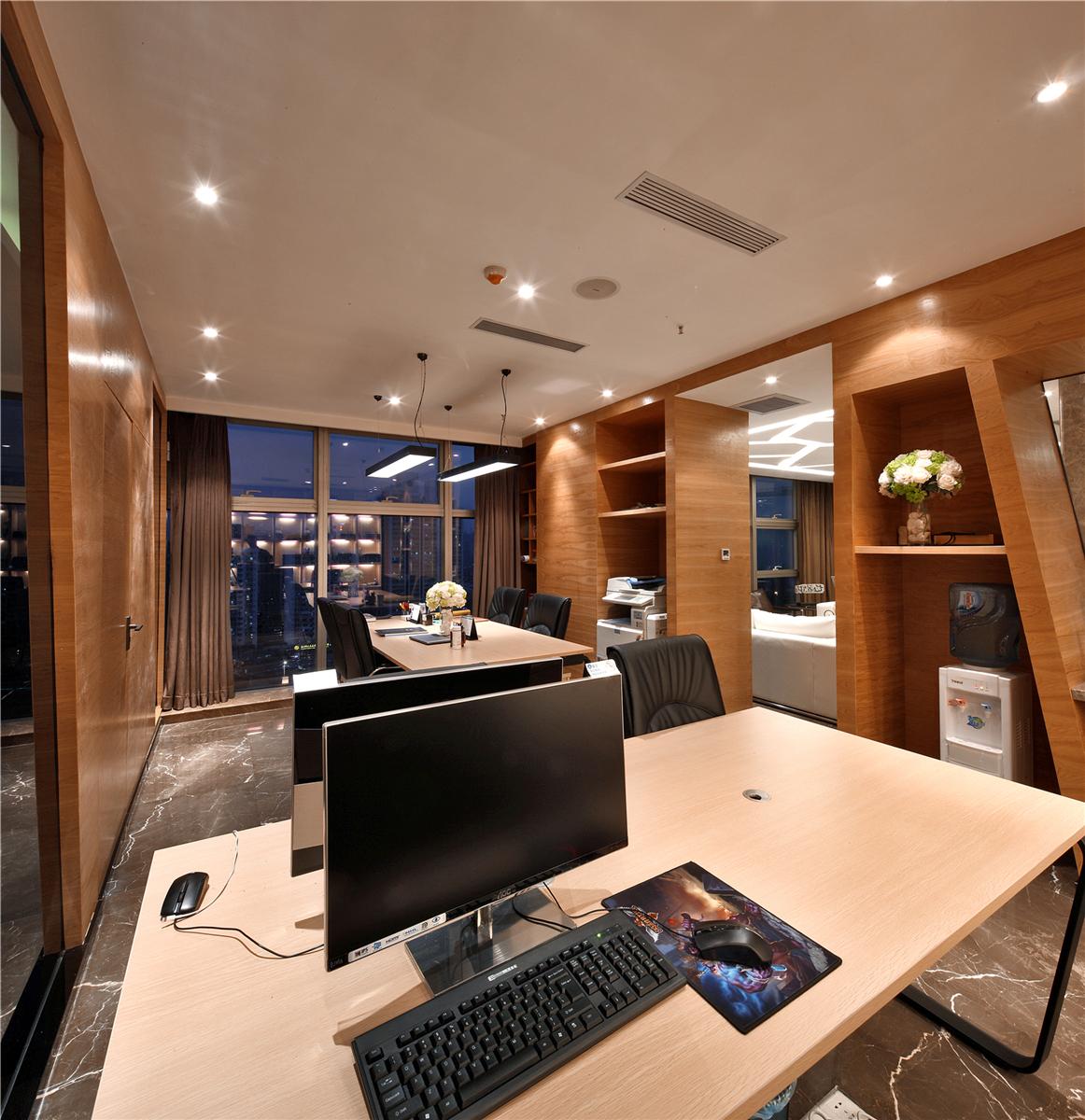 客厅图片来自莫川王远在莫川设计公司展厅-现代风格的分享