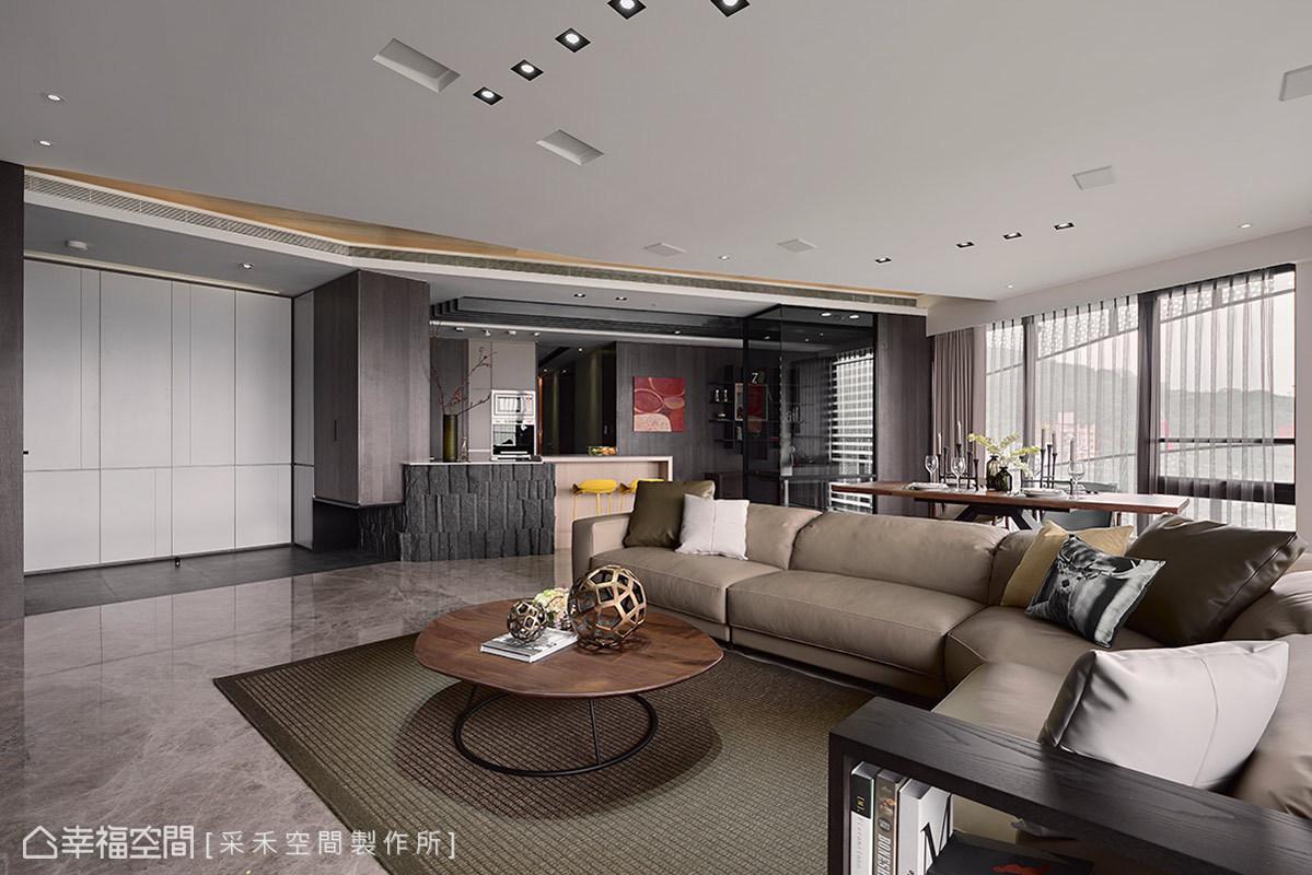 三居 休闲 简约 收纳 现代 客厅图片来自幸福空间在145平山河交响曲 景观流线宅邸的分享