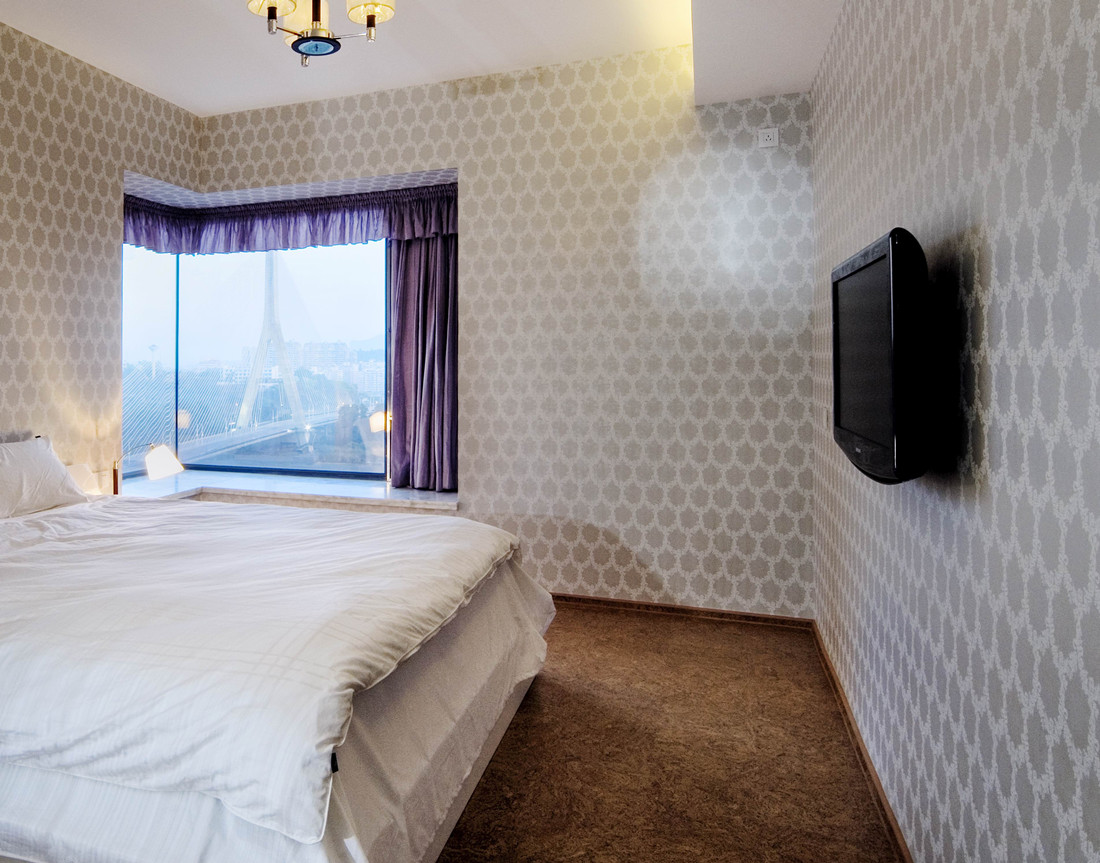 现代简约 三居室 80后 卧室图片来自成都创新思维装饰工程有限公司在现代简约保利玫瑰花语的分享