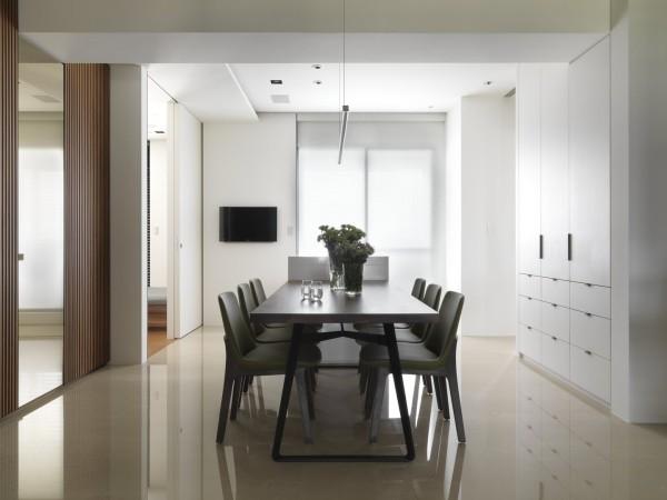 极简的设计手法让餐厅的整个空间显得清新而精致。