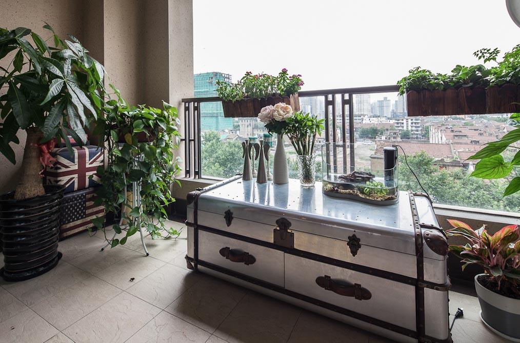 简约 别墅 黑白灰 宜居 阳台图片来自一号家居网成都站在翠湖天地的分享